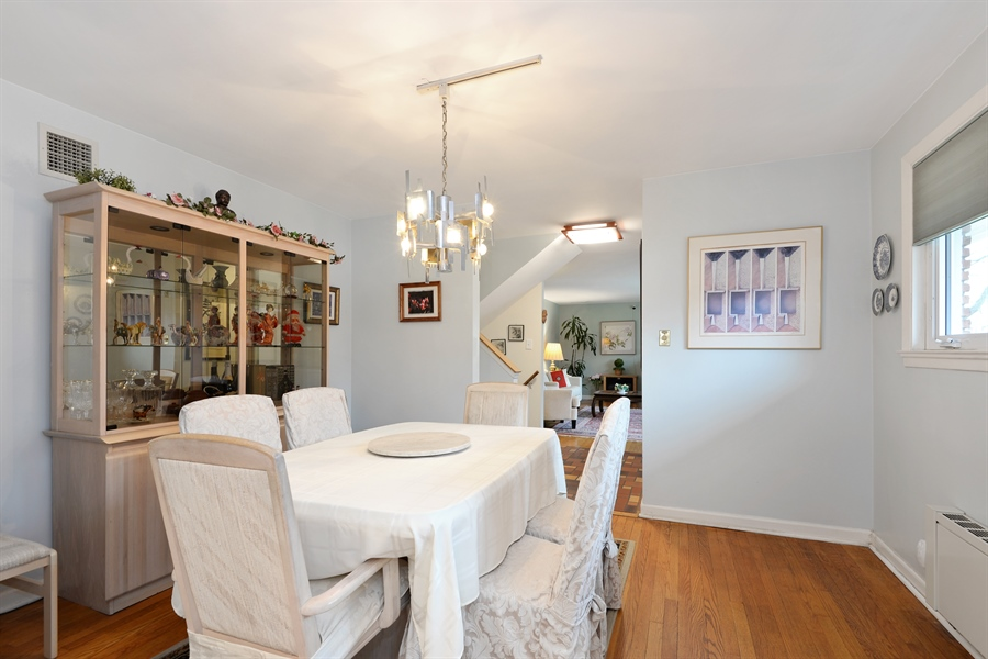 Real Estate Photography - 3534 Forest Ave, Wilmette, IL, 60091 - Dining Room
