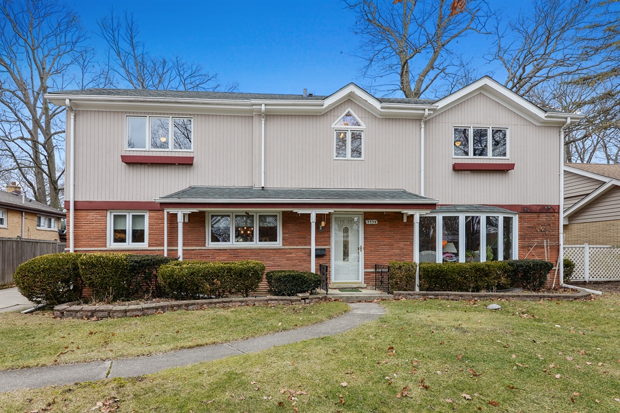 Real Estate Photography - 3534 Forest Ave, Wilmette, IL, 60091 - Front View