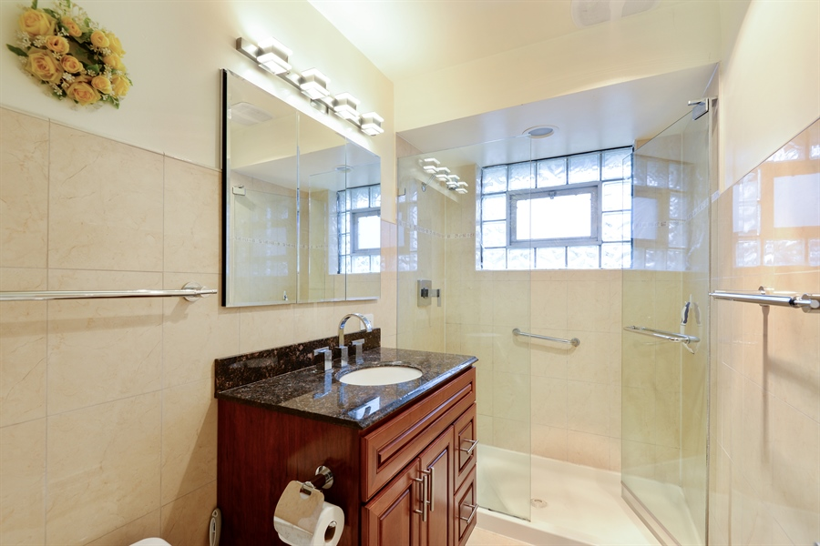 Real Estate Photography - 3534 Forest Ave, Wilmette, IL, 60091 - Bathroom