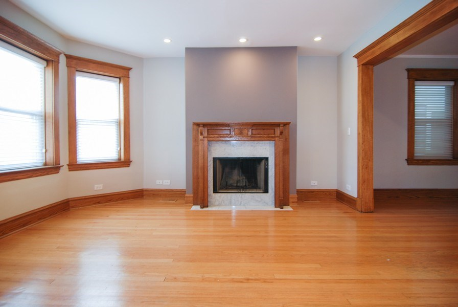 Real Estate Photography - 413 N Marion Ave, Oak Park, IL, 60302 - Living Room