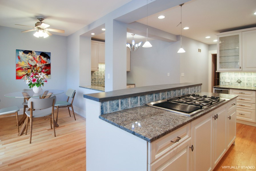 Real Estate Photography - 413 N Marion Ave, Oak Park, IL, 60302 - Kitchen/Breakfast Room