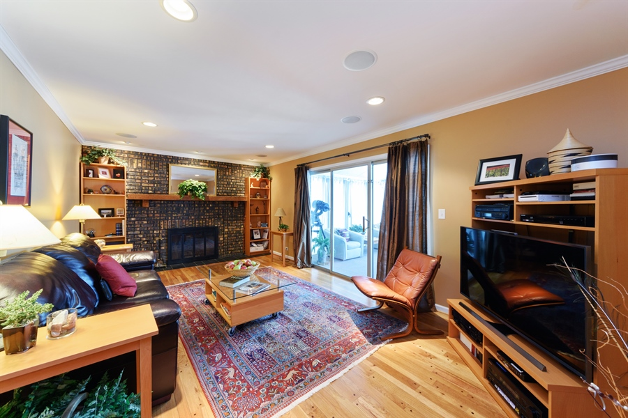 Real Estate Photography - 2014 N Pinetree Dr, Arlington Heights, IL, 60004 - Family Room