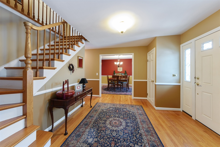 Real Estate Photography - 2014 N Pinetree Dr, Arlington Heights, IL, 60004 - Foyer