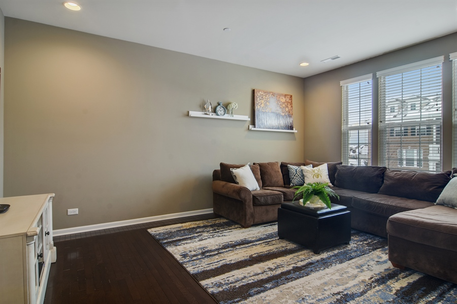 Real Estate Photography - 3197 Coral Lane, Glenview, IL, 60026 - Living Room