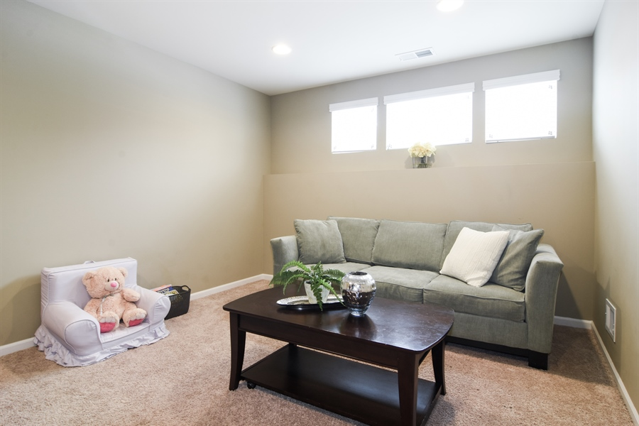 Real Estate Photography - 3197 Coral Lane, Glenview, IL, 60026 - Family Room
