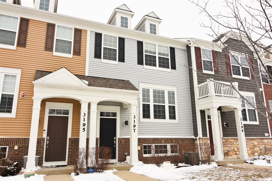 Real Estate Photography - 3197 Coral Lane, Glenview, IL, 60026 - Front View