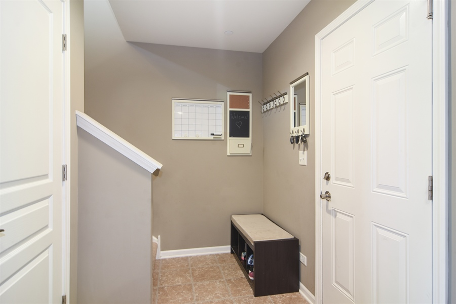 Real Estate Photography - 3197 Coral Lane, Glenview, IL, 60026 - Hallway
