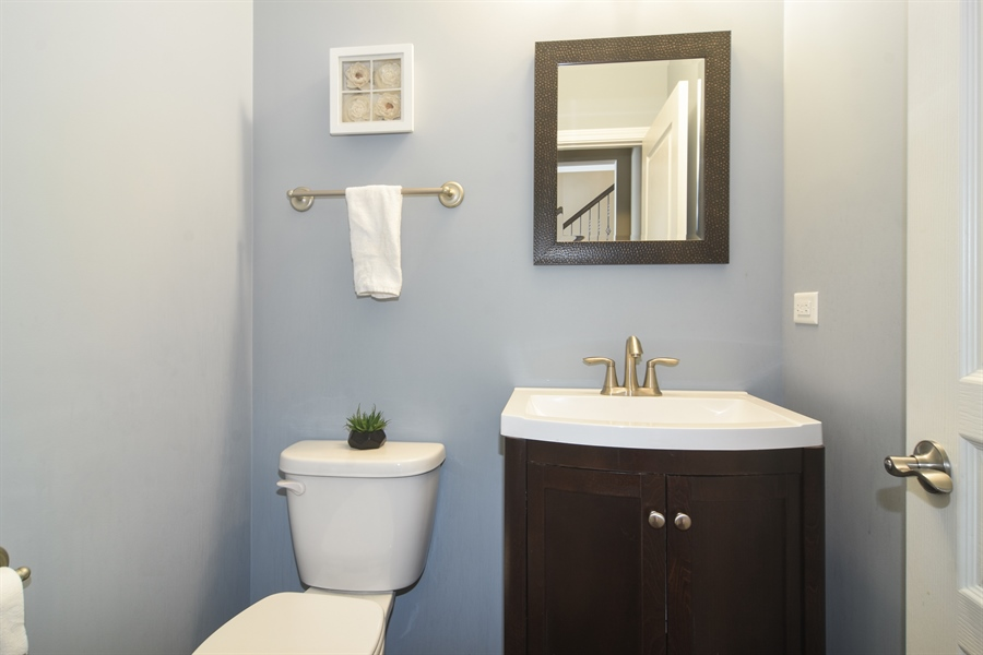 Real Estate Photography - 3197 Coral Lane, Glenview, IL, 60026 - Half Bath