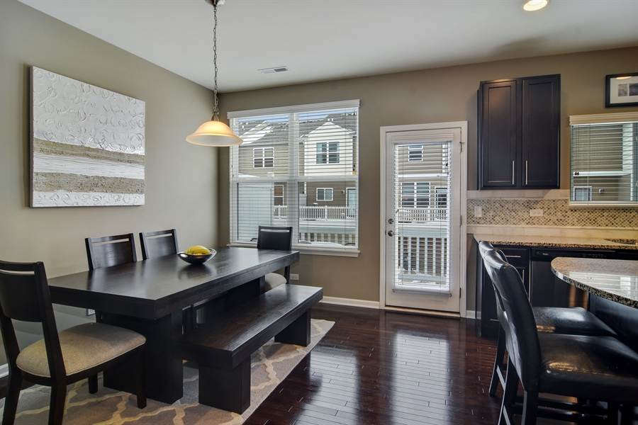 Real Estate Photography - 3197 Coral Lane, Glenview, IL, 60026 - Breakfast Nook