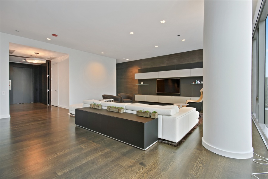 Real Estate Photography - 4 E Elm St, 14N, Chicago, IL, 60611 - Living Room