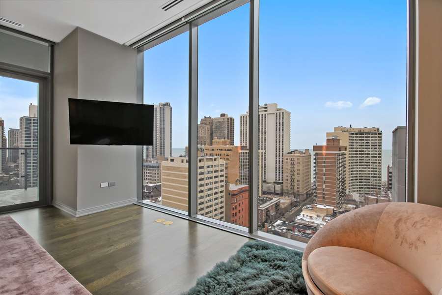 Real Estate Photography - 4 E Elm St, 14N, Chicago, IL, 60611 - View