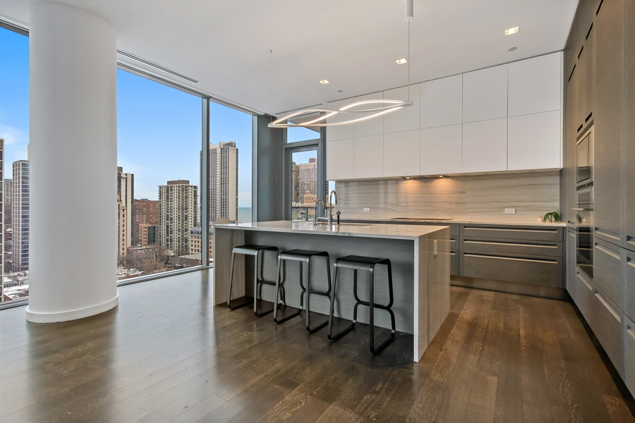 Real Estate Photography - 4 E Elm St, 14N, Chicago, IL, 60611 - Kitchen