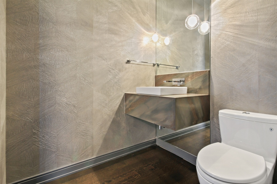 Real Estate Photography - 4 E Elm St, 14N, Chicago, IL, 60611 - Bathroom