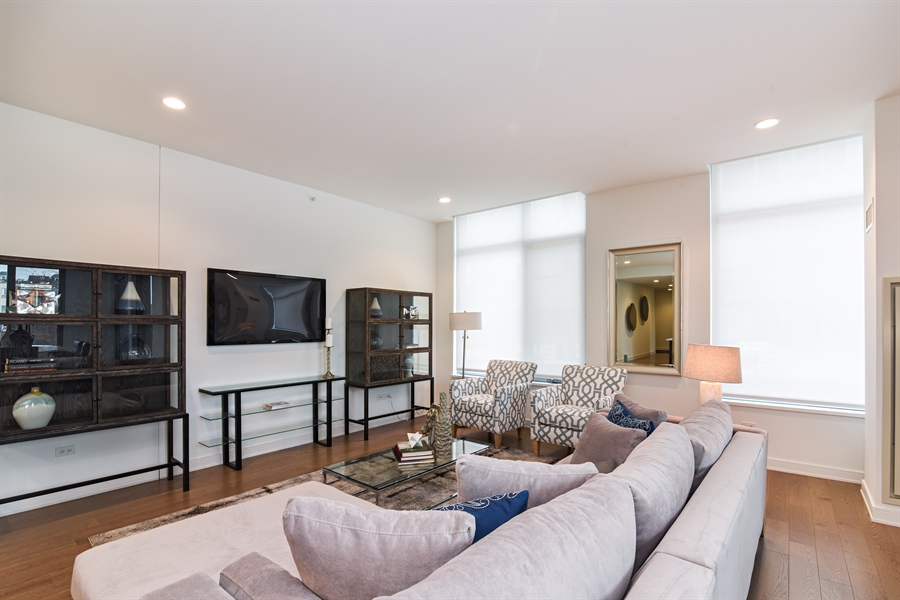 Real Estate Photography - 540 w webster, 313, chicago, IL, 60614 - Living Room