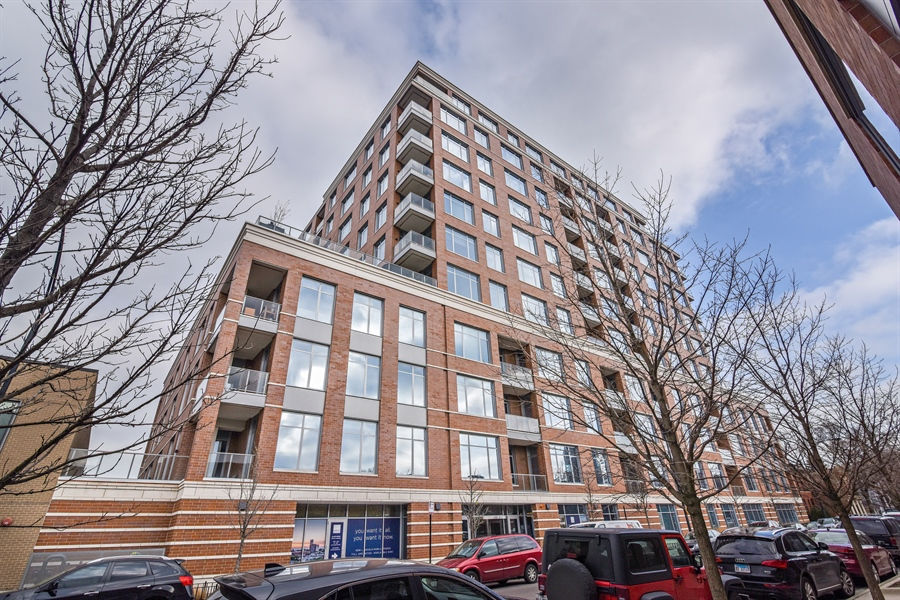 Real Estate Photography - 540 w webster, 313, chicago, IL, 60614 - Front View