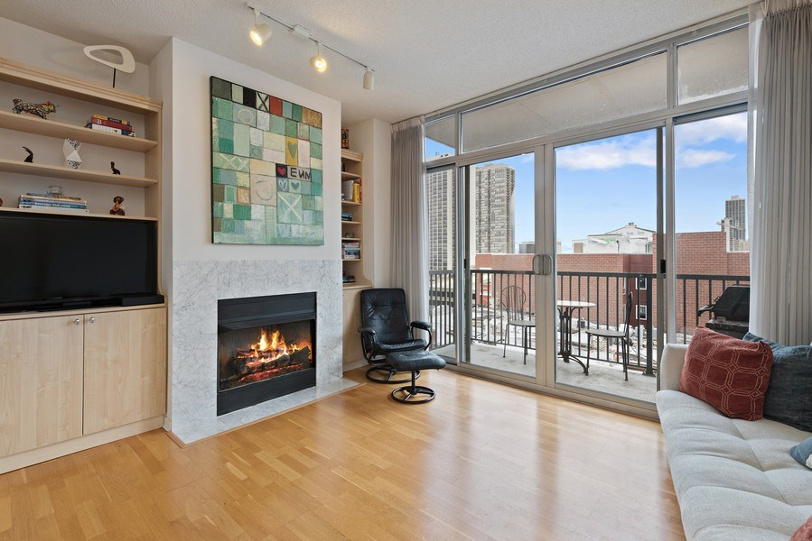 Real Estate Photography - 1546 N Orleans St, Chicago, IL, 60610 - Living Room