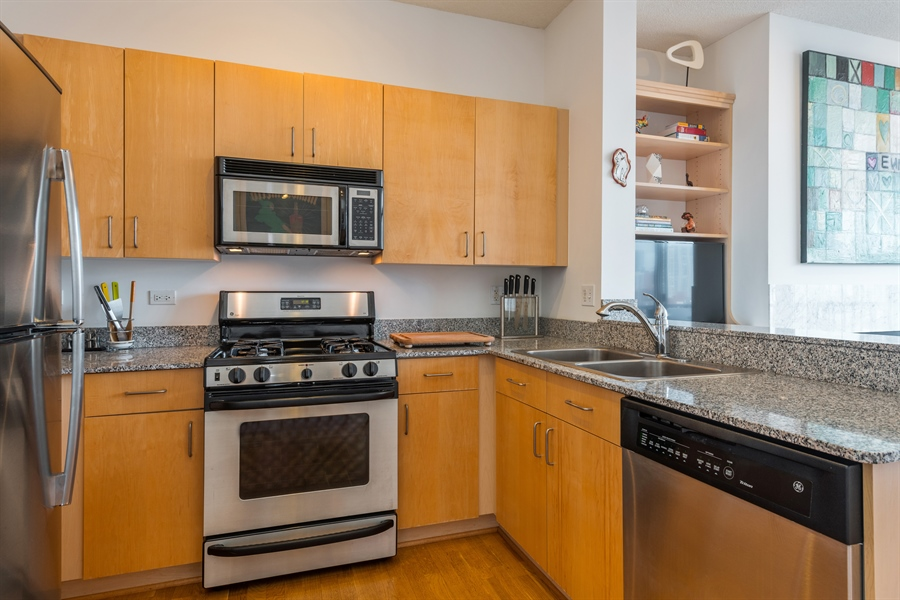 Real Estate Photography - 1546 N Orleans St, Chicago, IL, 60610 - Kitchen