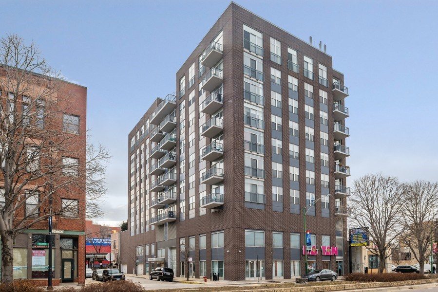 Real Estate Photography - 1546 N Orleans St, Chicago, IL, 60610 - Front View