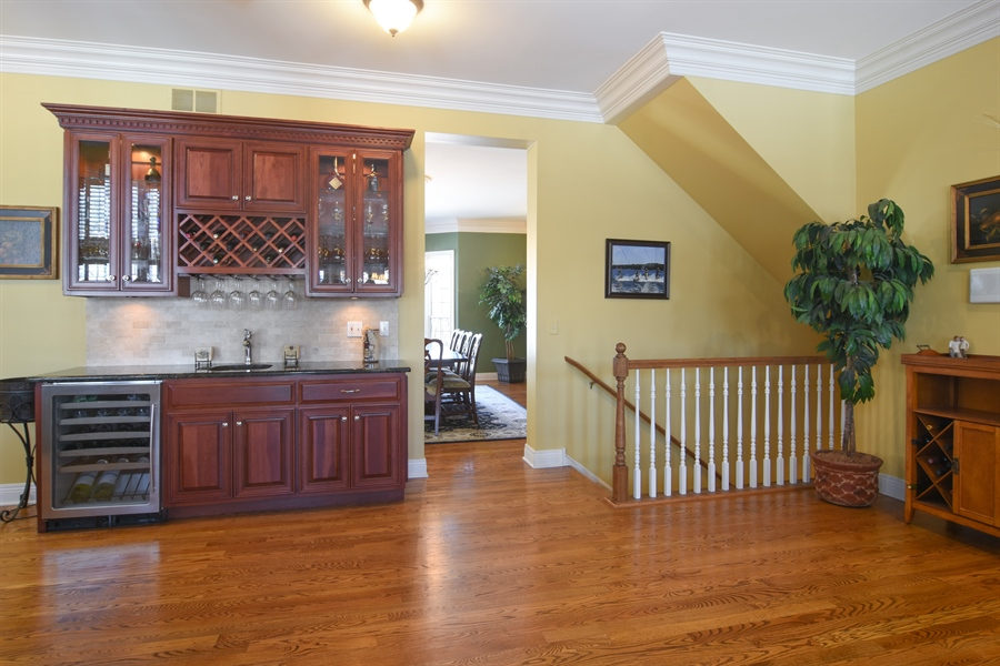 Real Estate Photography - 580 W Ruhl, Palatine, IL, 60074 - Wet Bar between Family Room & Kitchen