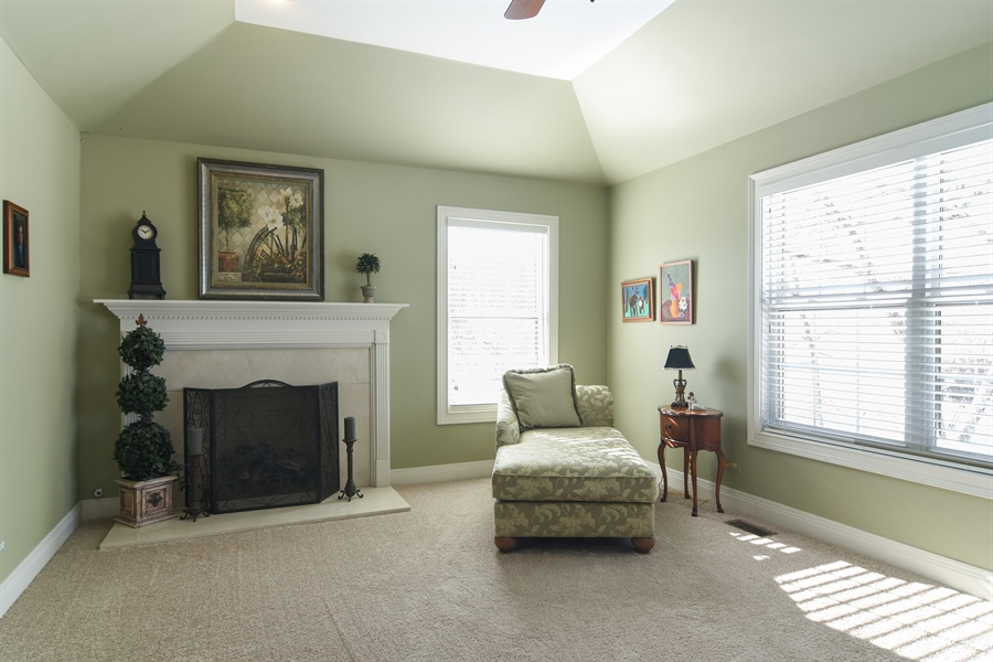 Real Estate Photography - 580 W Ruhl, Palatine, IL, 60074 - Master Bedroom Sitting Room