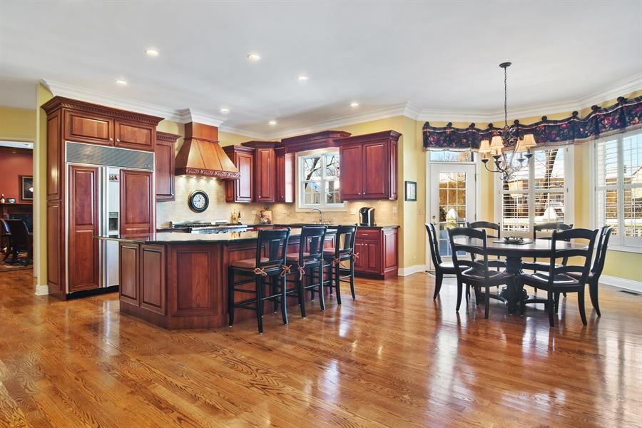 Real Estate Photography - 580 W Ruhl, Palatine, IL, 60074 - Kitchen / Breakfast Room