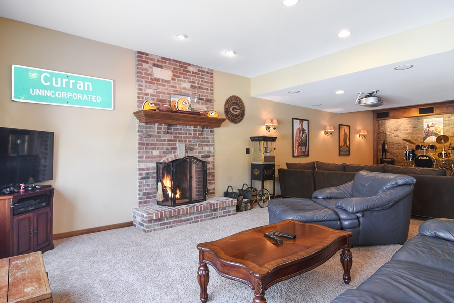 Real Estate Photography - 580 W Ruhl, Palatine, IL, 60074 - Family Room in Walkout Basement