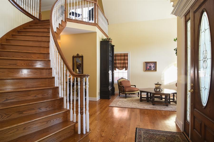 Real Estate Photography - 580 W Ruhl, Palatine, IL, 60074 - Foyer