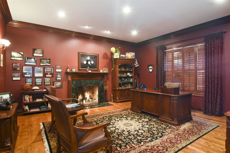 Real Estate Photography - 580 W Ruhl, Palatine, IL, 60074 - 1st Floor Private Office