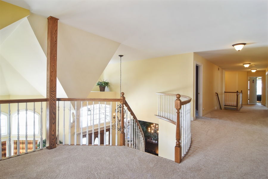 Real Estate Photography - 580 W Ruhl, Palatine, IL, 60074 - 2nd Floor Landing with Loft Area