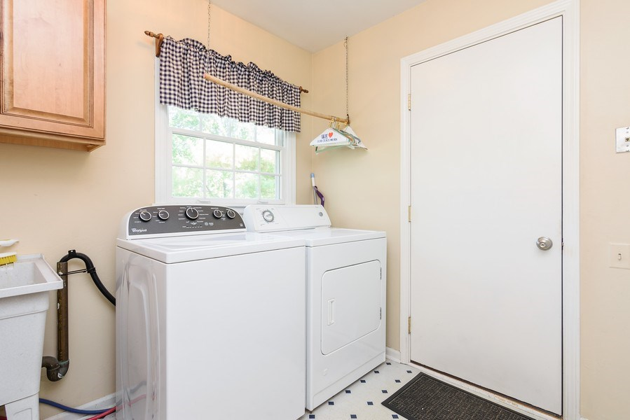 Real Estate Photography - 25877 Apache, Lake Barrington, IL, 60010 - Laundry Room