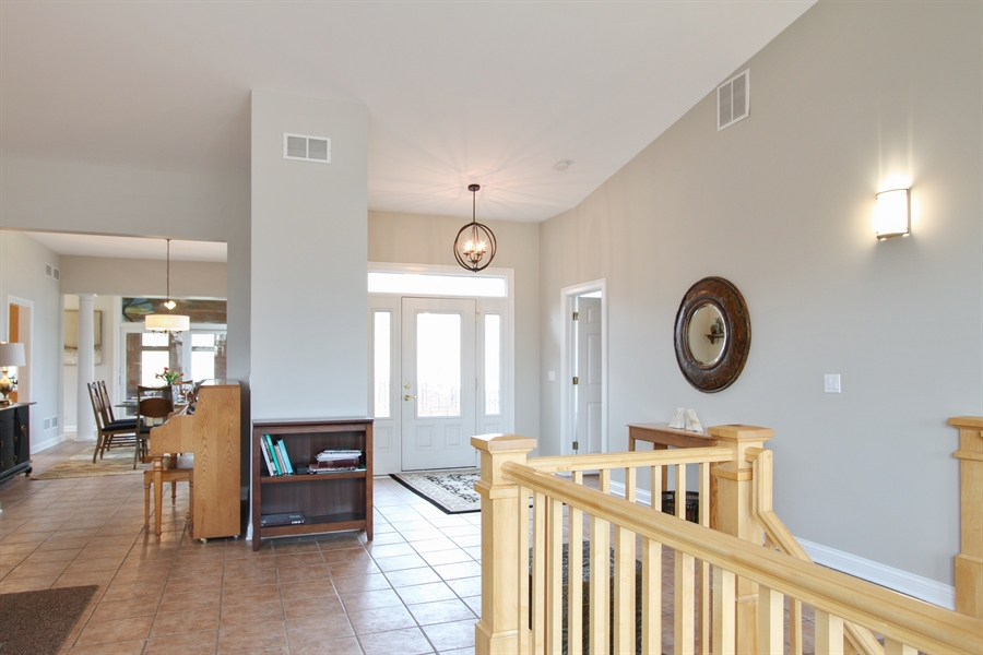 Real Estate Photography - 1313 Behan Rd, Crystal Lake, IL, 60012 - Foyer
