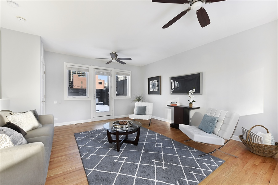 Real Estate Photography - 738 N. Hudson, Chicago, IL, 60654 - Family Room