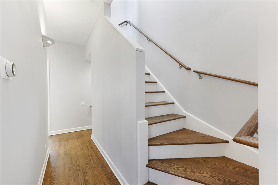 Real Estate Photography - 738 N. Hudson, Chicago, IL, 60654 - Hallway