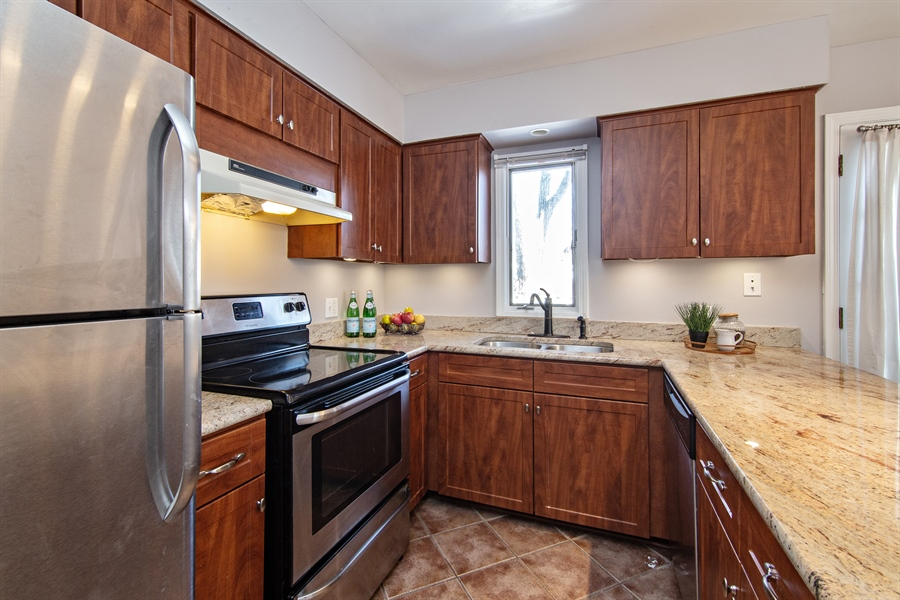 Real Estate Photography - 1837 Prairie, Glenview, IL, 60025 - Kitchen