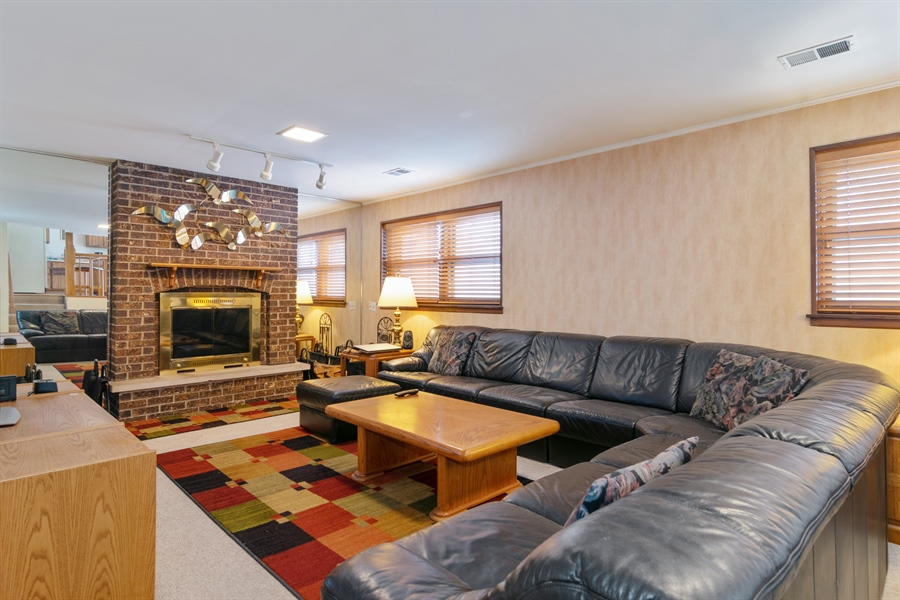Real Estate Photography - 3017 N Stratford, Arlington Heights, IL, 60004 - Family Room