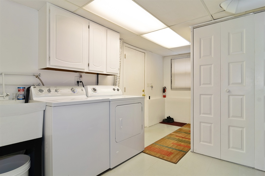Real Estate Photography - 3017 N Stratford, Arlington Heights, IL, 60004 - Laundry Room