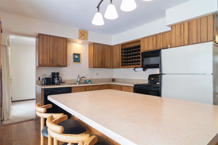 Real Estate Photography - 3017 N Stratford, Arlington Heights, IL, 60004 - Kitchen