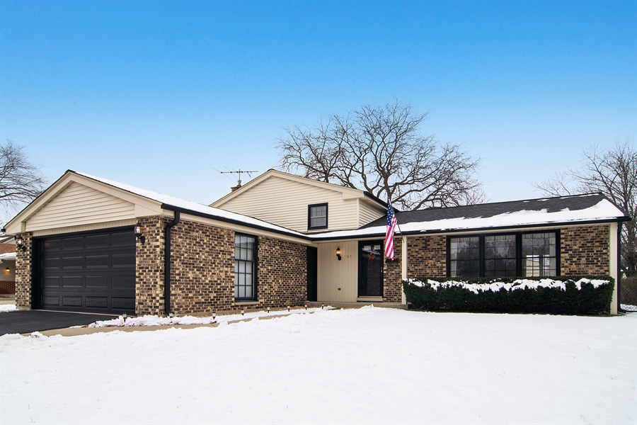 Real Estate Photography - 3017 N Stratford, Arlington Heights, IL, 60004 - Front View