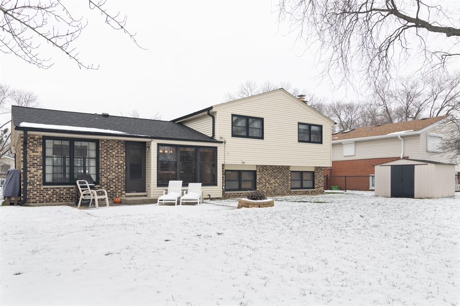 Real Estate Photography - 3017 N Stratford, Arlington Heights, IL, 60004 - Rear View
