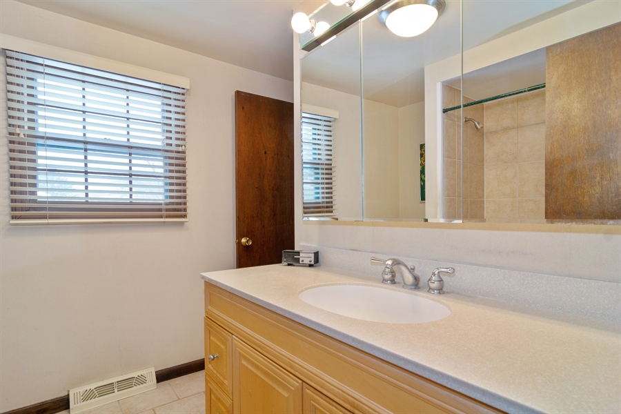 Real Estate Photography - 3017 N Stratford, Arlington Heights, IL, 60004 - Bathroom