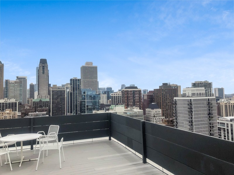 Real Estate Photography - 1300 N Astor St, Unit 16C, Chicago, IL, 60610 -