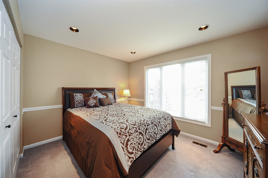 Real Estate Photography - 1520 Loatonia Ct, Libertyville, IL, 60048 - 2nd Bedroom
