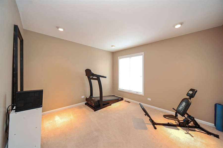 Real Estate Photography - 1520 Loatonia Ct, Libertyville, IL, 60048 - 3rd Bedroom