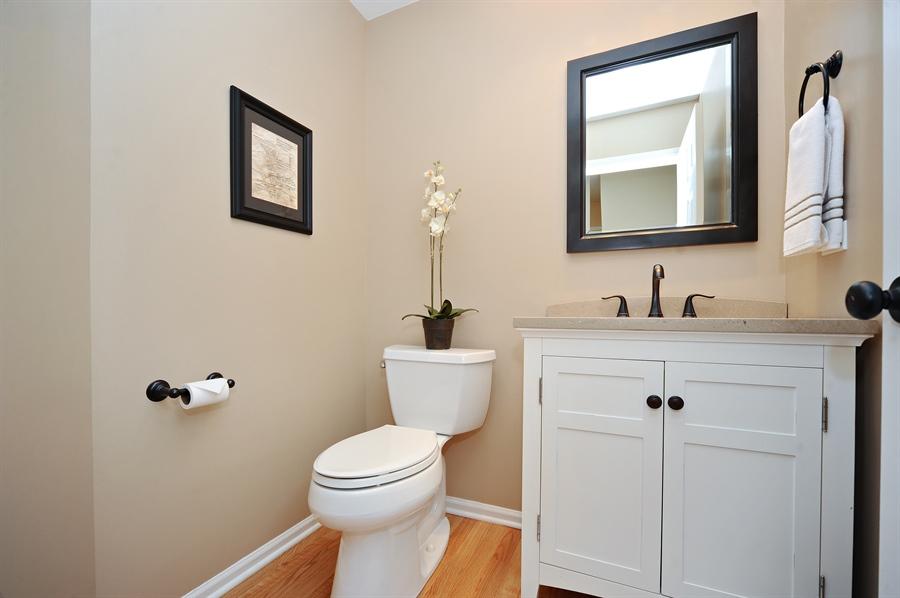 Real Estate Photography - 1520 Loatonia Ct, Libertyville, IL, 60048 - Powder Room