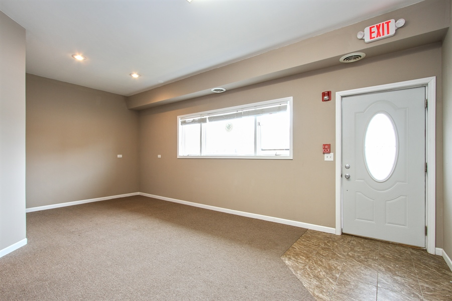 Real Estate Photography - 929 Main St, Antioch, IL, 60002 - Lobby