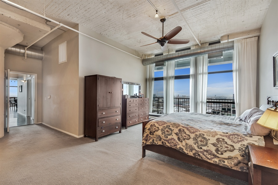 Real Estate Photography - 1530 S State St, Unit 929-930, Chicago, IL, 60605 - Master Bedroom