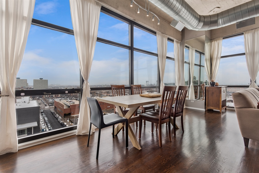 Real Estate Photography - 1530 S State St, Unit 929-930, Chicago, IL, 60605 - Dining