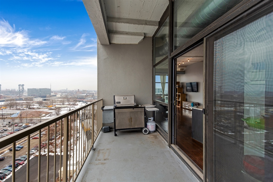 Real Estate Photography - 1530 S State St, Unit 929-930, Chicago, IL, 60605 - Balcony