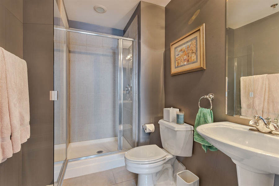 Real Estate Photography - 1530 S State St, Unit 929-930, Chicago, IL, 60605 - 3rd Bathroom