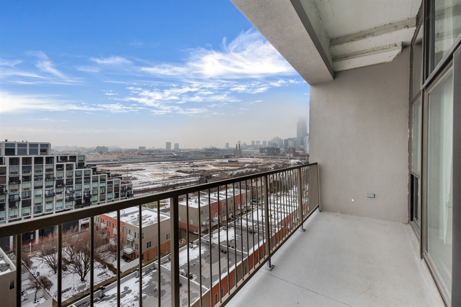 Real Estate Photography - 1530 S State St, Unit 929-930, Chicago, IL, 60605 - Master Balcony